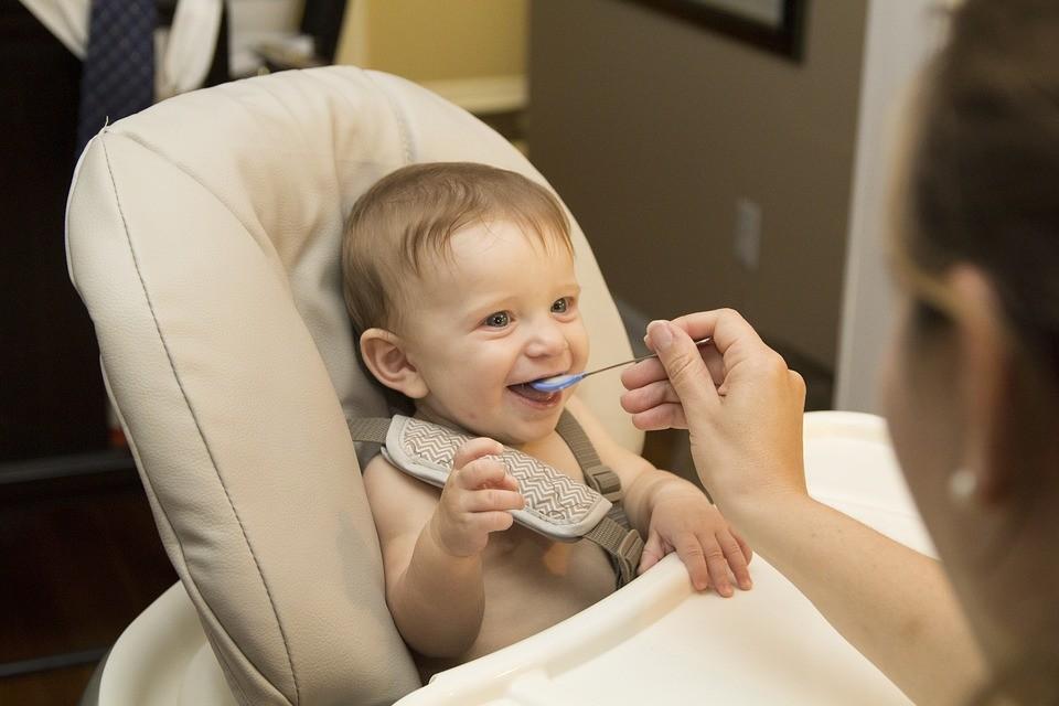confort et sécurité chaise haute bébé