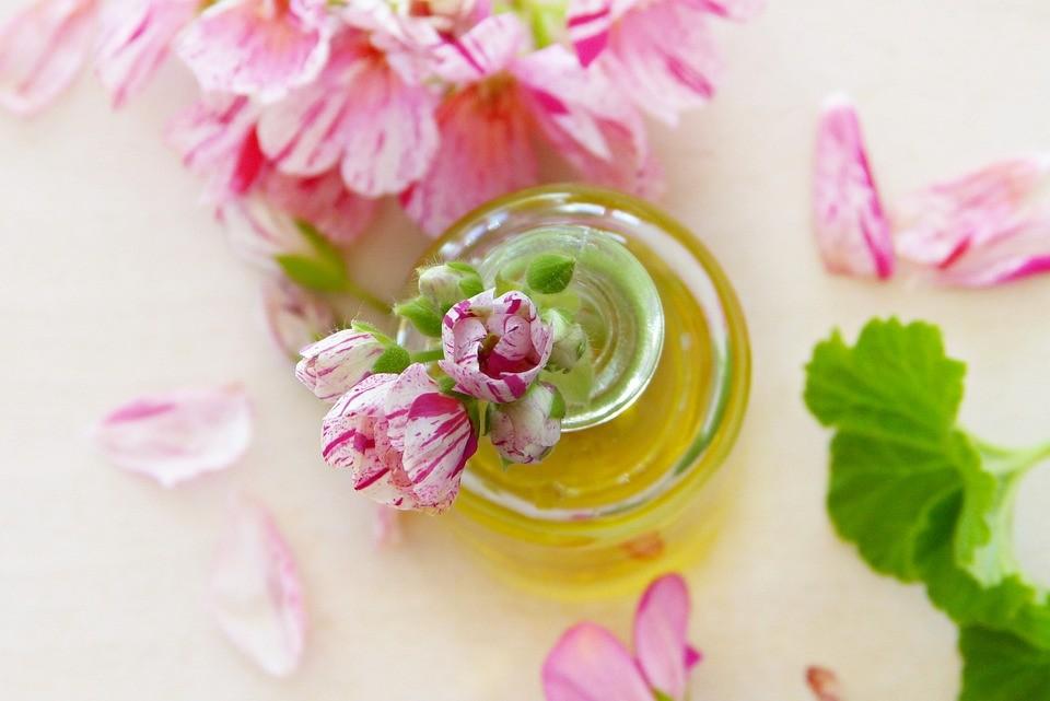 vertus huiles essentielles pour massage