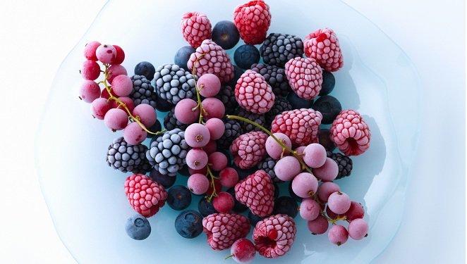 Les fruits rouges et noirs