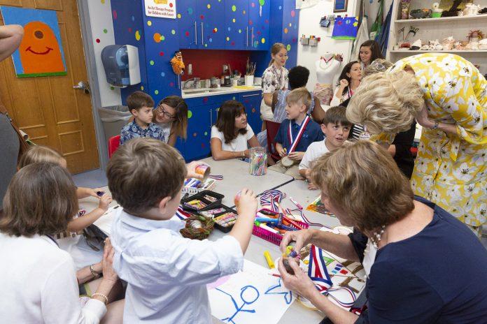 initier les enfants à l'art dès le plus jeune âge