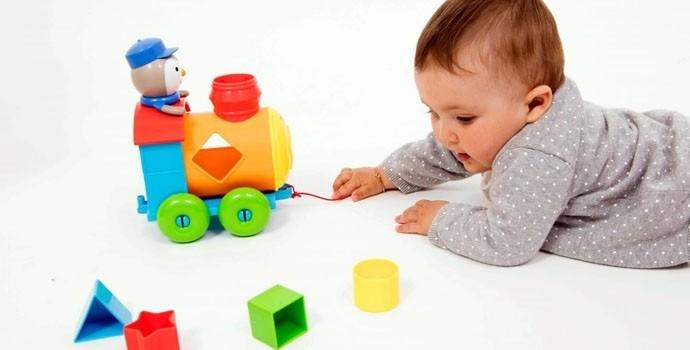 Les jouets destinés aux bébés âgés de 6 à 10 mois